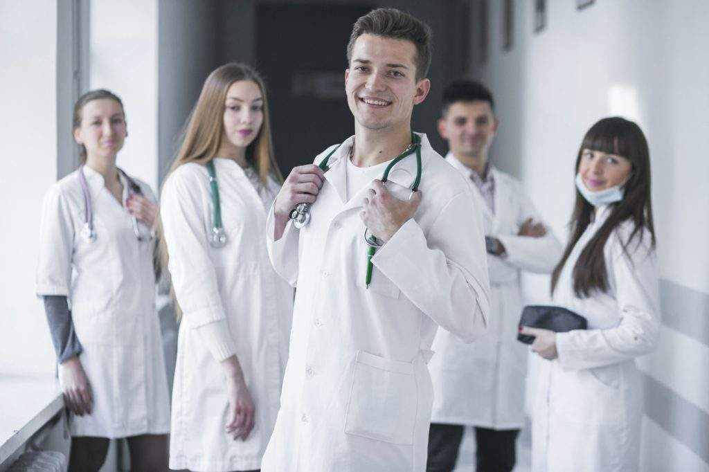 Difference Between Doctors, Residents, and Physicians