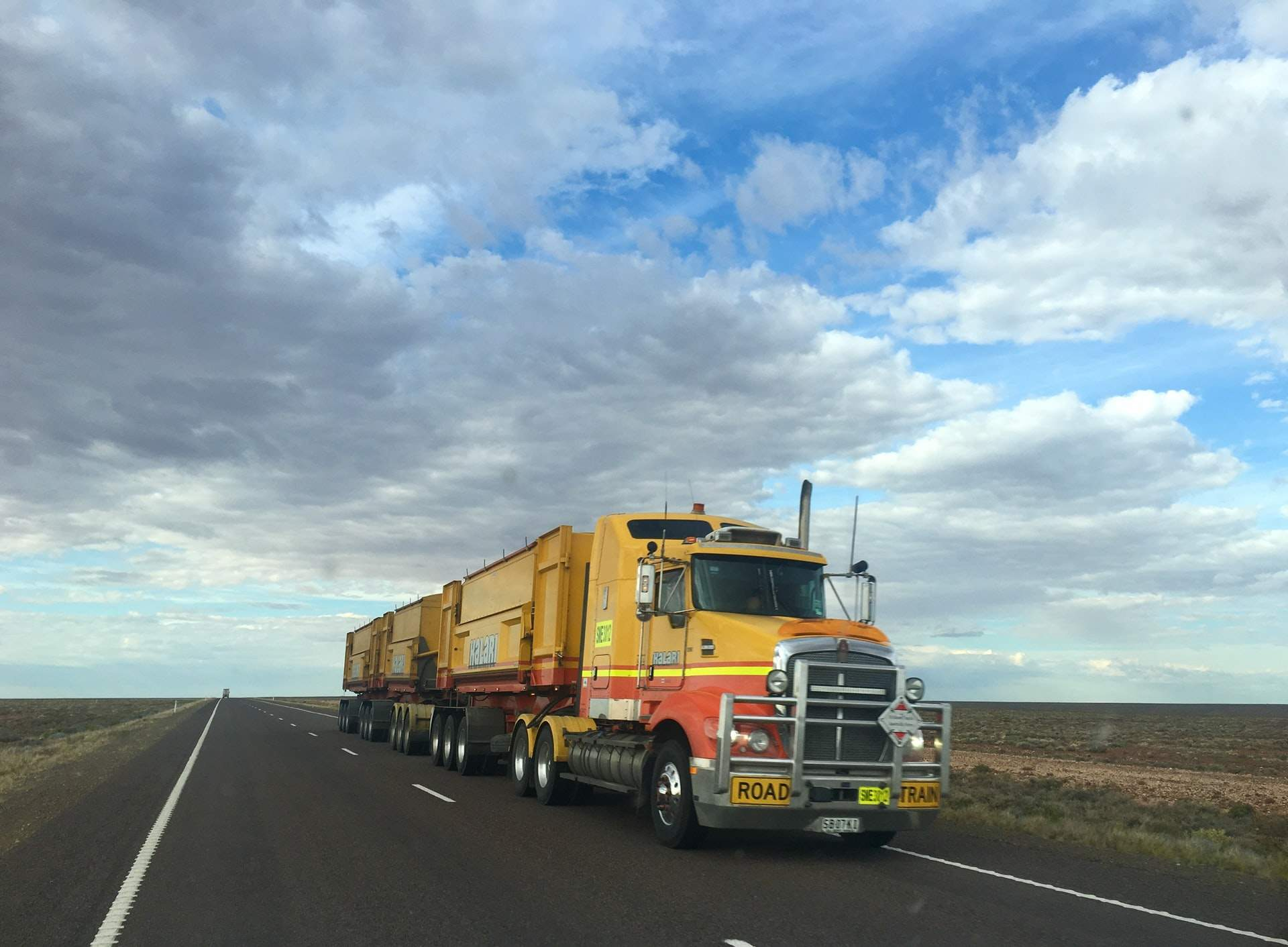 How To Reduce Risk While Driving Trucks