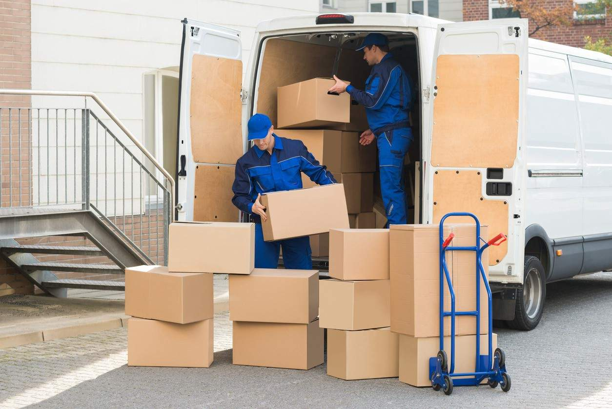 Let The Furniture Movers Take Care Of Your Home Moving Responsibilities